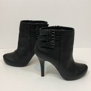 BCBGeneration Black Boots Booties ankle Fletcher 8